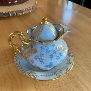 Antique Tea Cup Set